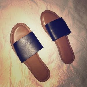 LEATHER SANDALS GOOD CONDITION SIZE 8